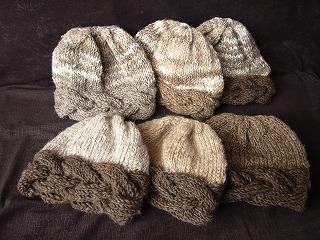 手紡ぎ毛糸で編みました♪