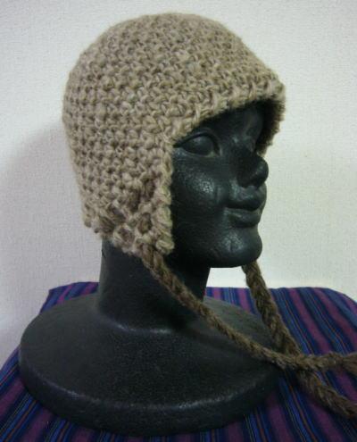 単糸で編んだ帽子