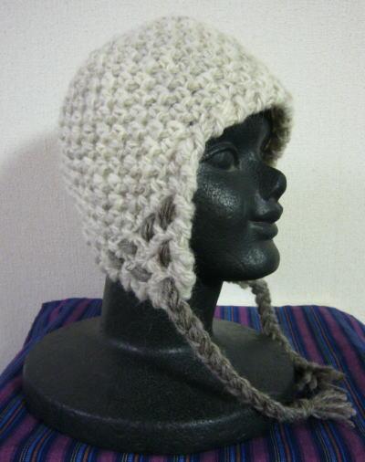 双糸で編んだ帽子
