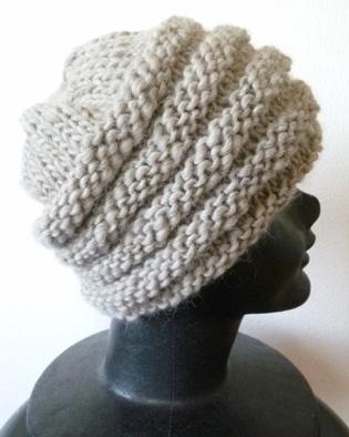 手紡ぎ毛糸の帽子